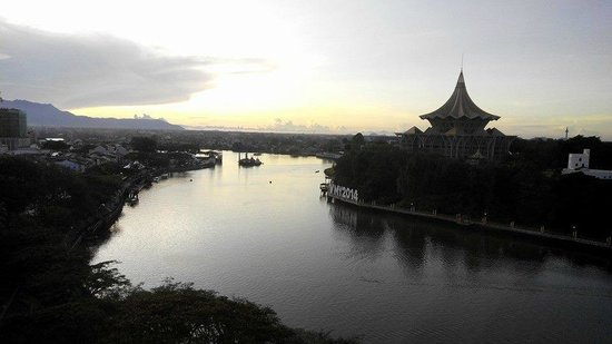Hilton Kuching: Sunset view from our room at the Hilton