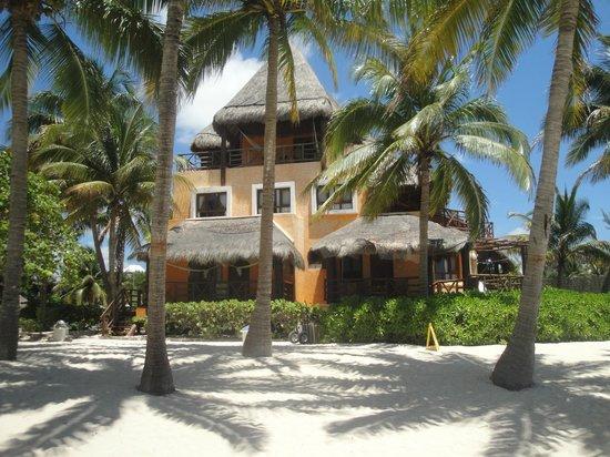 Mahekal Beach Resort: Balcón en el 3er piso una vista fantástica