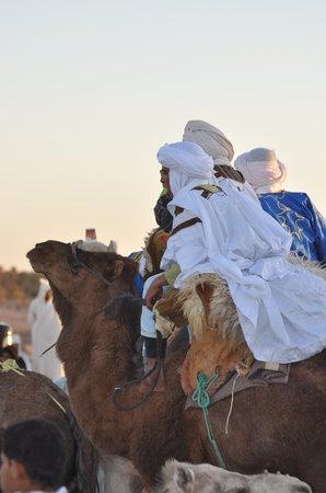Naamani Groupe Nomadic Camp : camel trek in desert chgaga