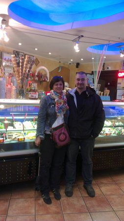 Gelateria Valentino : nice place,friendly owner,good ice cream..try it!