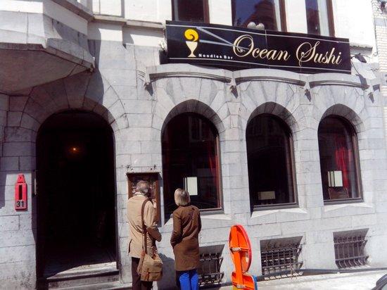 Ocean sushi: Exterior