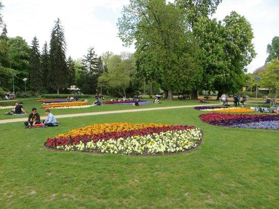 Margaret Island (Margitsziget): Relaxing between the flowers