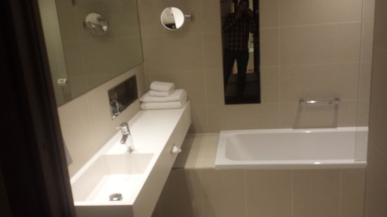 Clarion Hotel Stockholm: BAIGNOIRE !!!