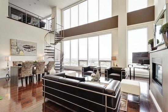 CorporateStays - Le 400 Sherbrooke Ouest : Duplex Penthouse