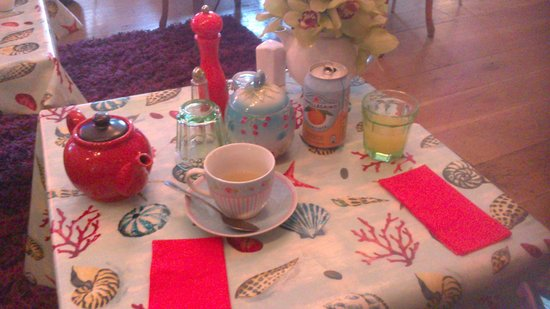 Foam Cafe and Gallery: Tea Time