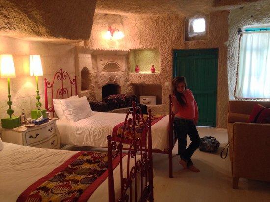 Hezen Cave Hotel : Just arrived in hezen heaven