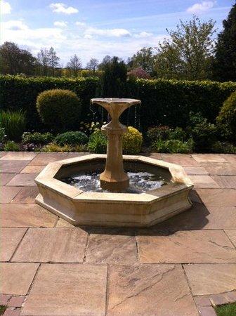 Headlam Hall Hotel Spa & Golf: Spa fountain