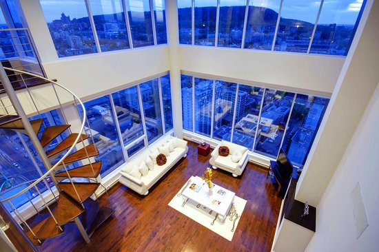 Le 400 Sherbrooke Ouest By Corporate Stays: View On The Mount Royal
