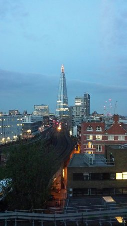 Travelodge London Central Southwark : The view from our room. Fabulous!