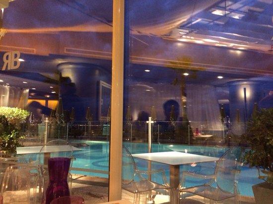 Pullman Cannes Mandelieu Royal Casino: Depuis le restaurant le soir