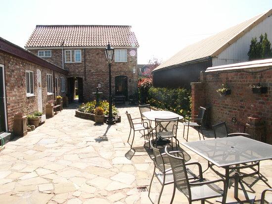 Heworth Court Hotel: Courtyard