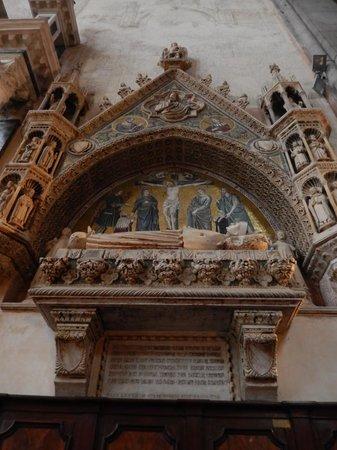 Basilica dei Santi Giovanni e Paolo (San Zanipolo): tomba di un Doge
