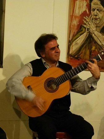La Carbonería: der Gitarrist...ein Genie