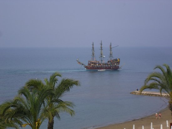 SENTIDO Perissia: Ausflug Schiff
