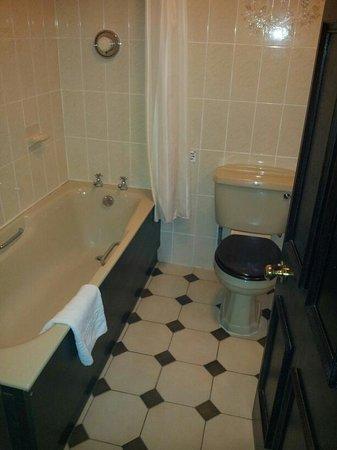 BEST WESTERN Derwent Manor: Bathroom