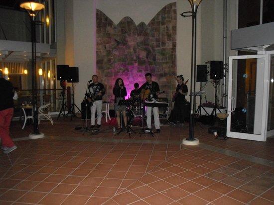 SENTIDO Perissia: Musik Band Live
