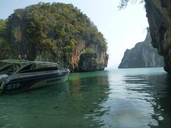 Phuket Sail Tours: Paradise Beach bay