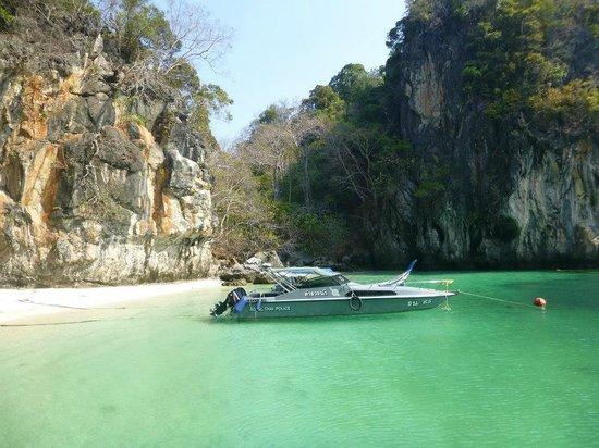 Phuket Sail Tours: Clear waters at Paradise Beach
