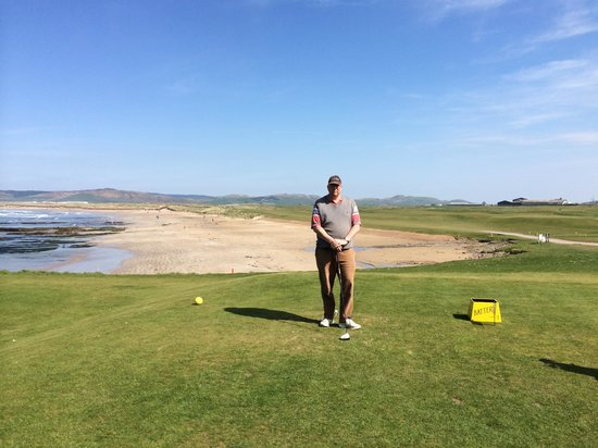 Machrihanish Dunes Golf Club: Famous First Tee