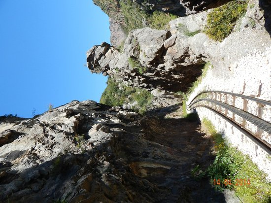 Vouraikos Canyon - Cog Railway: Cut in stone ...