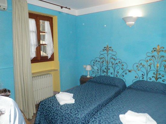 Hotel Azzi - Locanda degli Artisti: room