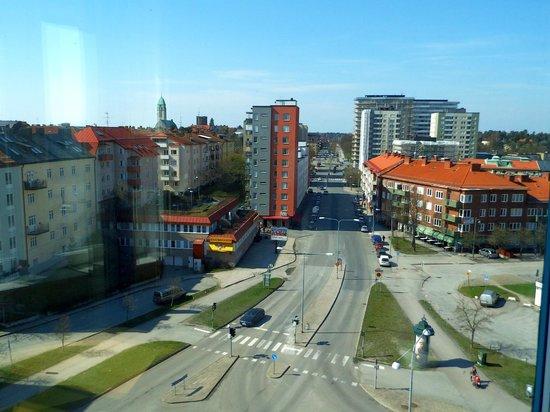 2Home Hotel Solna: ut sida 1