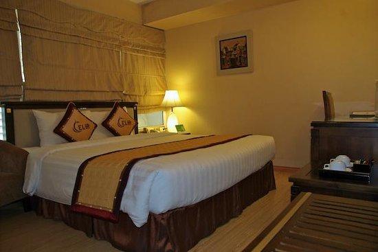 Hanoi L'Heritage Hotel: chambre 703