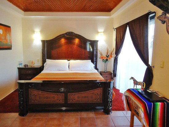 Bed and Breakfast Cancun: Orange room