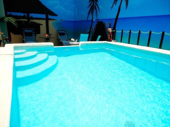 Bed and Breakfast Cancun: Swimming pool
