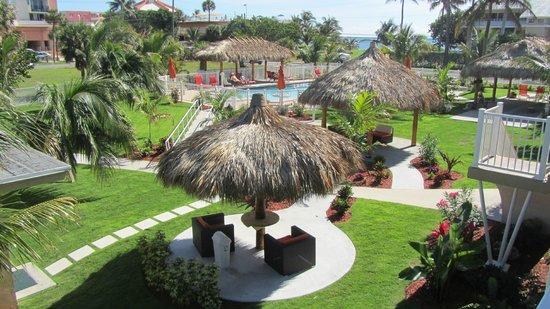 Budget Inn Ocean Resort: Der Garten- eine Oase der Ruhe
