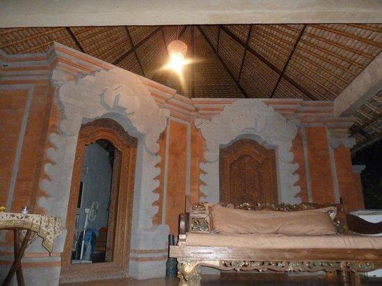 Bali Homestay Cepaka : Doors to rooms