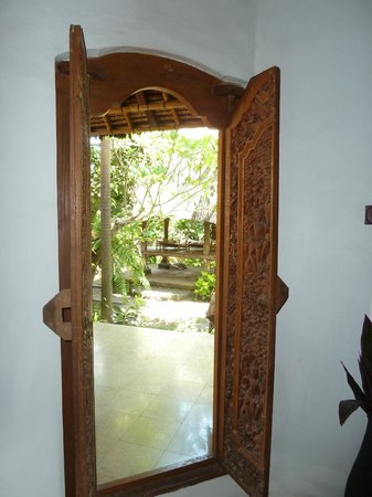 Bali Homestay Cepaka: Looking out of the room
