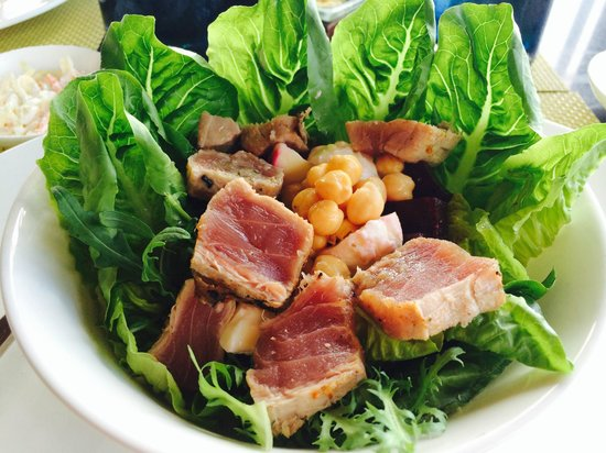 Eight Degrees South at Conrad Bali : Tuna Salad