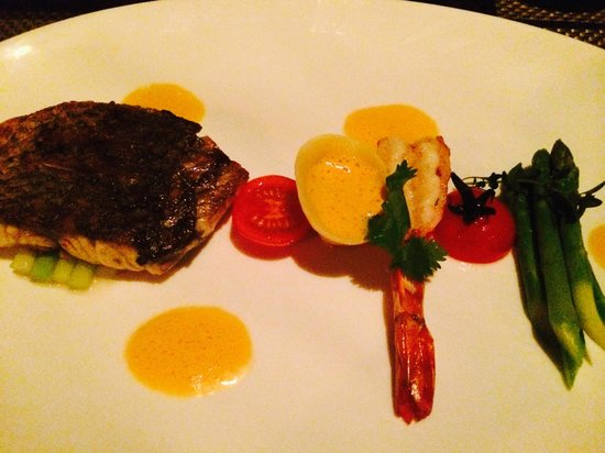 Eight Degrees South at Conrad Bali : Grilled Snapper