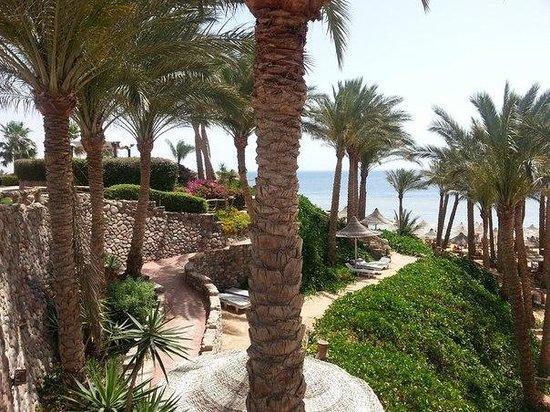 Nubian Island Hotel: вид на пляж