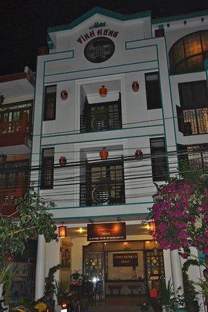 Vinh Hung Library Hotel : façade