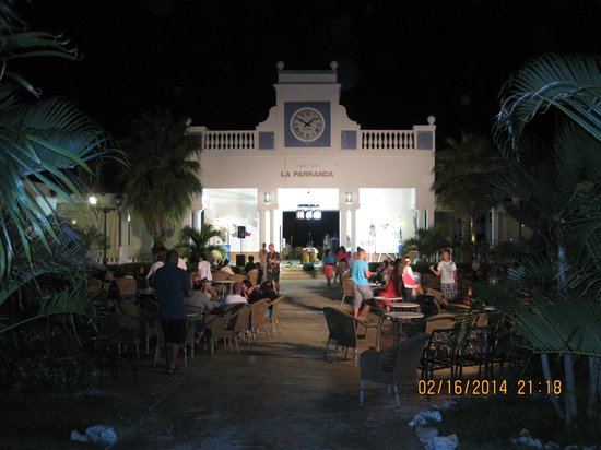 Memories Paraiso Azul Beach Resort : the parranda. showing the band/s aftermath the theater of everynight