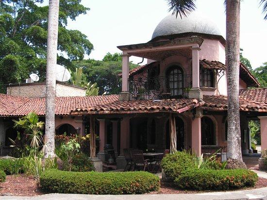 Forest Hills Suites : L'arrière de la demeure