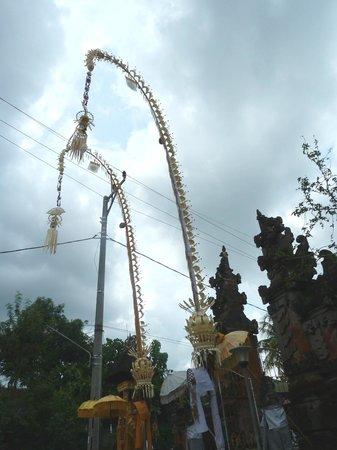 Bali Homestay Cepaka : Ceremony in the village temple