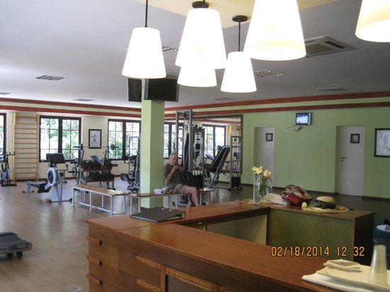 Memories Paraiso Beach Resort: in the gym, relay on Pedro for honesty, cleanness and humbleness