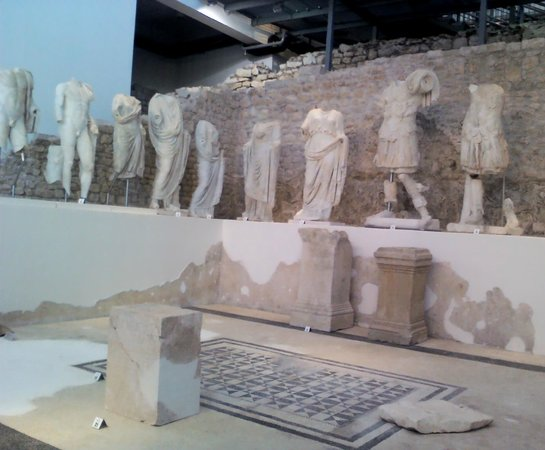 Narona Archaeological Museum: Sculptures of imperial famly