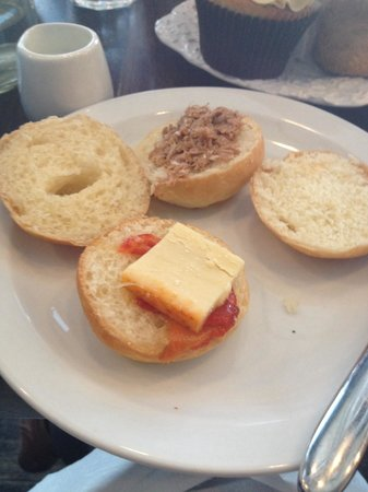 Bea's of Bloomsbury - Bloomsbury : The worst sandwiches you'll ever eat, available at Beas