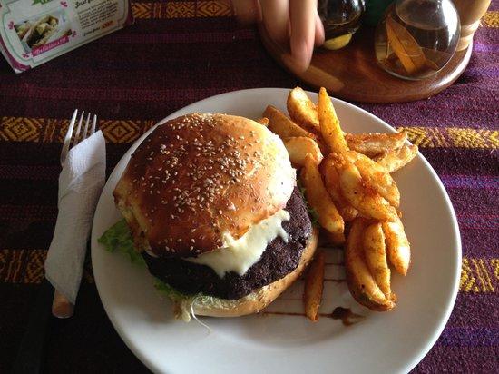 San Telmo Restaurant: The veggie burger with potato chips