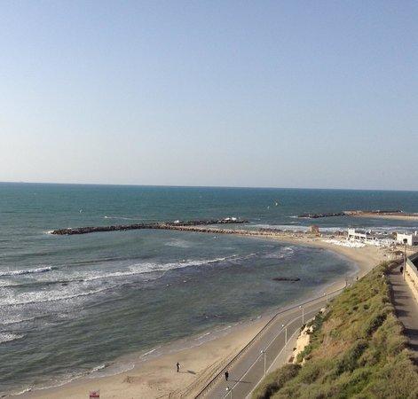 Carlton Tel Aviv: View of the Mediterranean Sea from 6th floor room