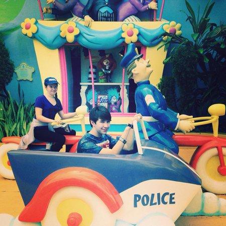Universal's Islands of Adventure: Seuss landing