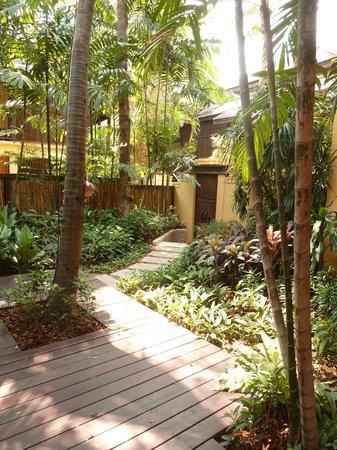 Buri Rasa Village Samui : jardin privatif