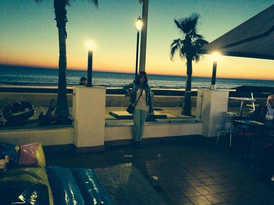 HOTEL MONTERREY COSTA: Terraza del hotel con preciosas vistas al mar.