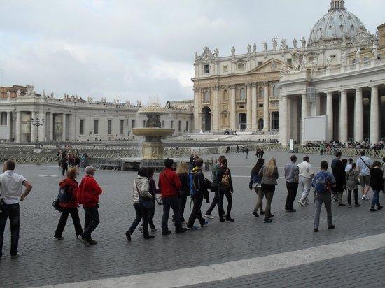 Petersplatz (Piazza San Pietro): Petersplatz, Rom - April 2014 - 3