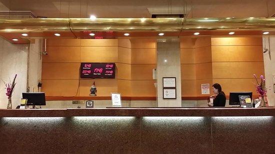 Hotel Stanford: Lobby