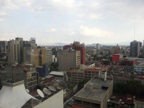 Galería Plaza Reforma: Pool area view